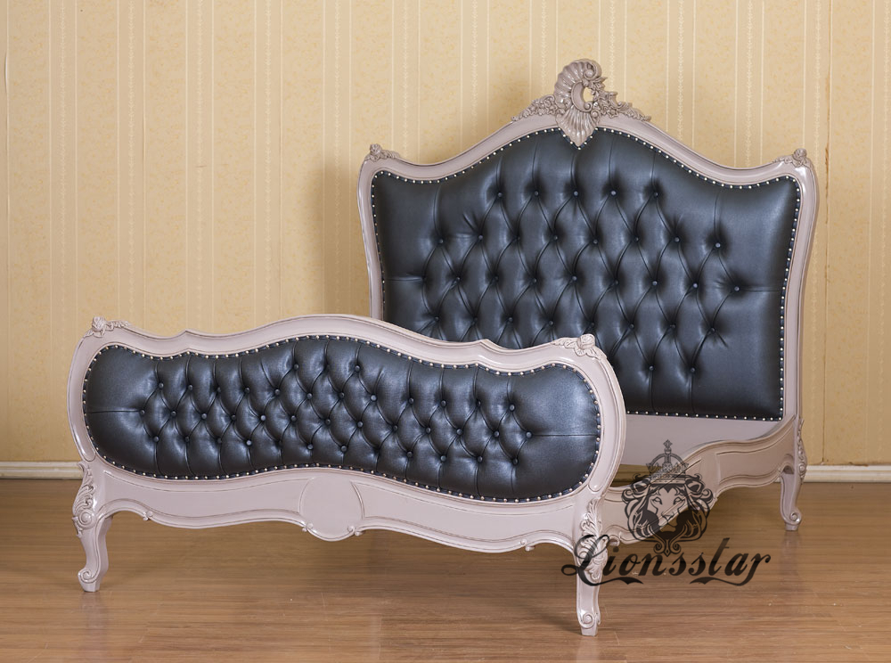 Chesterfield Louis Bett Charlie