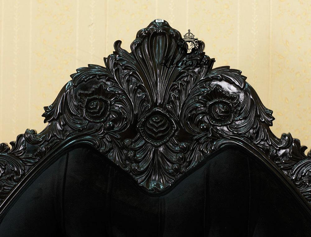 Louis Bett Gothic Black Velvet