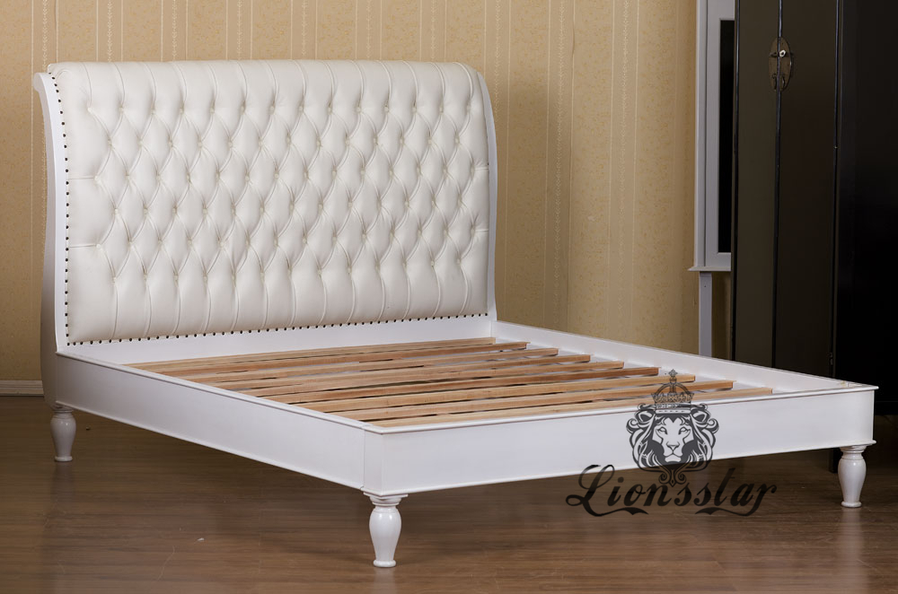 Chesterfield Louis Bett Weiß